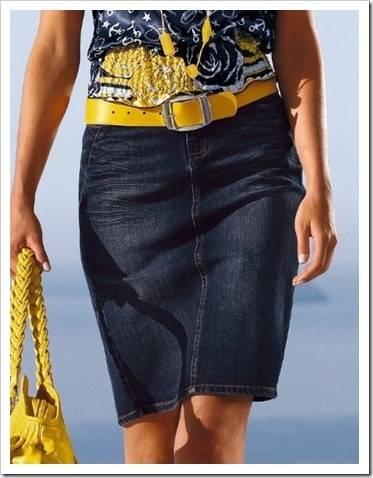 С чем носить джинсовую юбку карандаш.