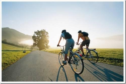 минута смеха равна 15-минутной велосипедной прогулке