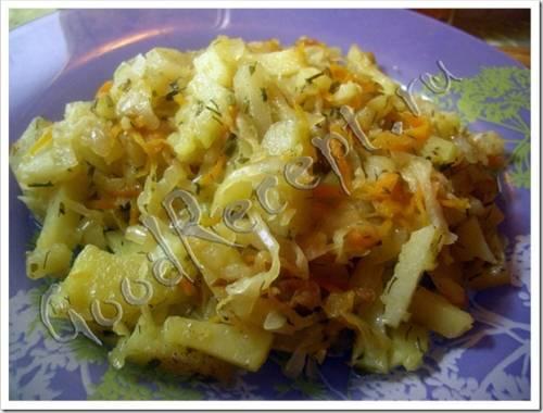 Как приготовить тушеную капусту с картошкой