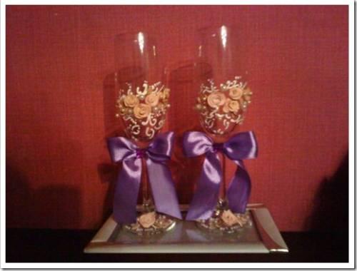 Как украсить бокалы на свадьбу лентами и бусинами