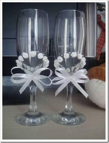 Как украсить бокалы на свадьбу лентами своими руками