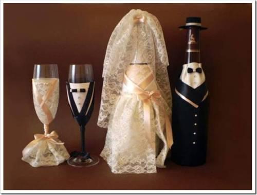 Оригинальное украшение свадебного бокала своими руками