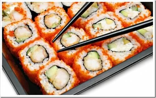 Как приготовить суши и роллы?