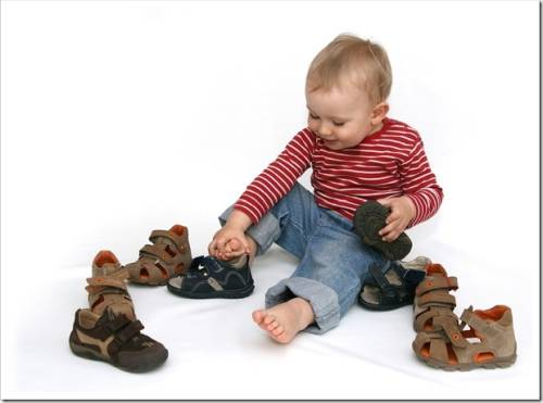 Где лучше покупать детскую обувь.