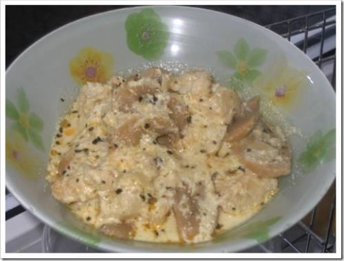 Курица, сметана и грибы – пальчики оближешь