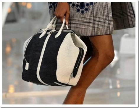 Как выбрать женскую дорожную сумку?