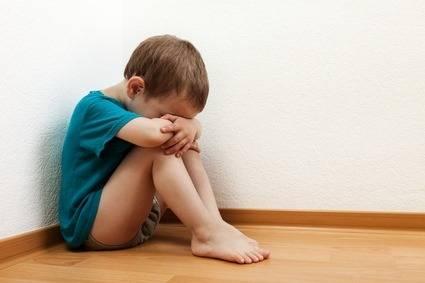 Детский аутизм - что это такое и как лечить?