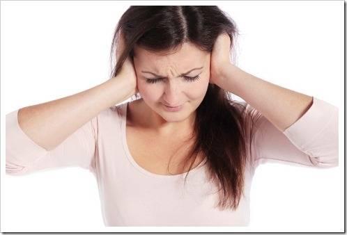 Как удалить пробку из уха?