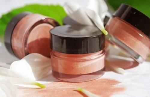 Как пользоваться минеральной косметикой?