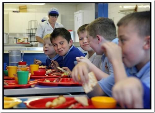 В какие часы стоит принимать пищу ребенку?