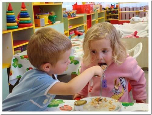 Стоит ли отдавать ребёнка в детский сад на дому?