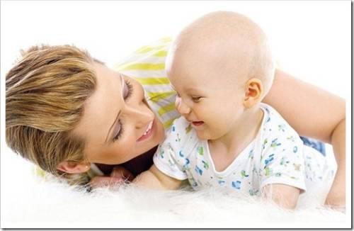 Одежда или пелёнки: что лучше для новорожденного?
