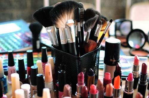 состав косметички современной женщины
