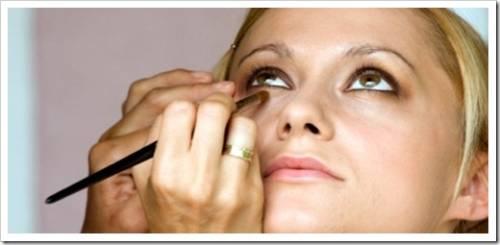Косметика по борьбе с естественным старением кожи лица