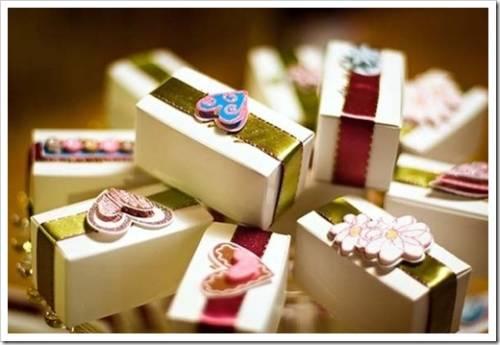 Как выбрать правильный подарок молодоженам