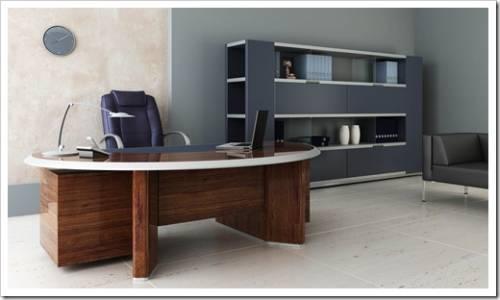 Офисные стулья и компьютерные столы