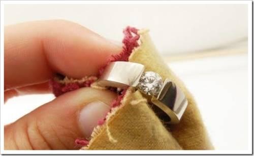 Чистка натурального янтаря и жемчуга