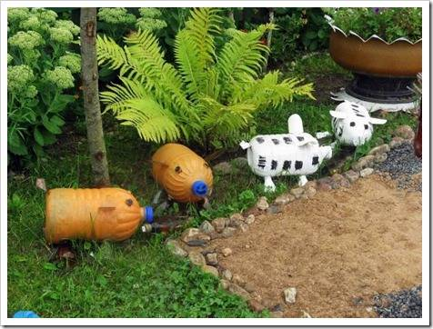 Использование старых вещей при оформлении сада