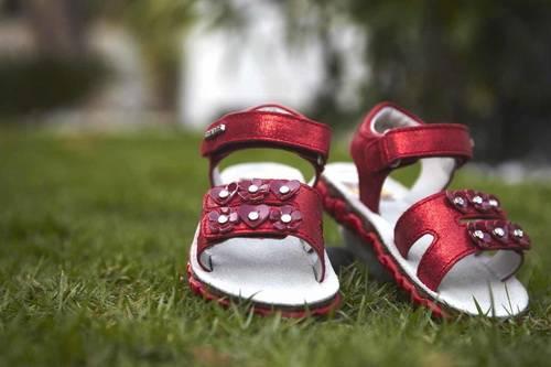 Какая должна быть детская обувь