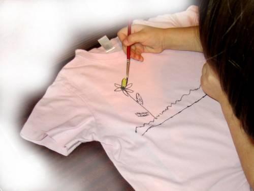 Как украсить детскую футболку своими руками