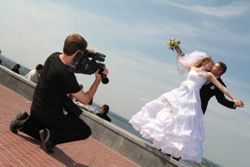 Как снимать свадебное видео