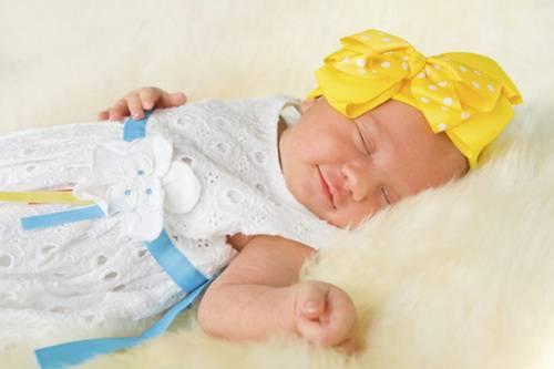 Какая одежда нужна новорожденному на первое время