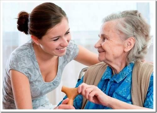 На что обращать внимание при выборе медсестры-сиделки?