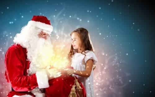 Дед Мороз и ребенок