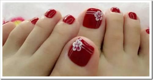 Наносим гель-лак на ногти стопы в домашних условиях