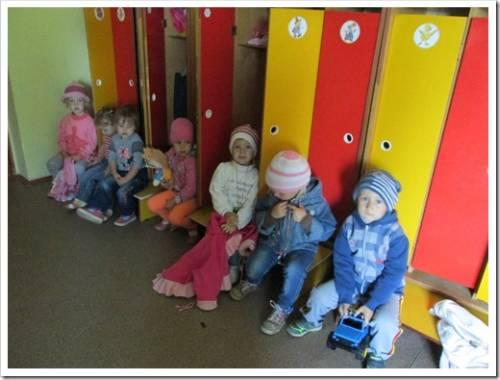 Конкретные примеры того, какой должна быть одежда для детского сада