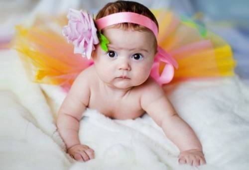 новорожденнная девочка