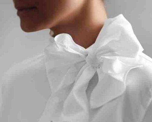 Как украсить белую блузку