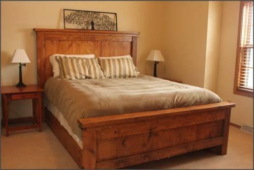 Из какого дерева делают кровати