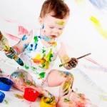 Как выводить пятна с детской одежды