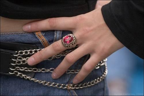 На каком пальце носить кольцо с рубином