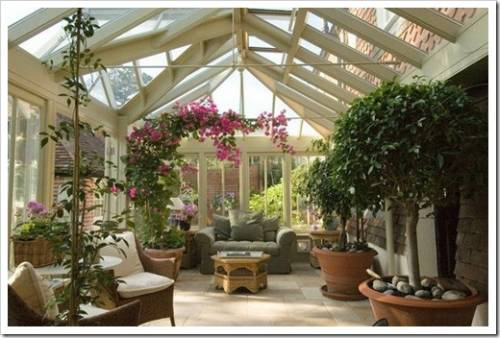 Зимний сад и искусственные цветы