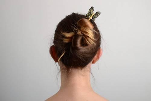 Как заколоть волосы китайской палочкой