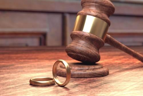 Сколько стоят услуги адвоката при разводе