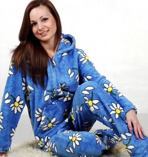 Из какой ткани лучше выбрать женскую пижаму