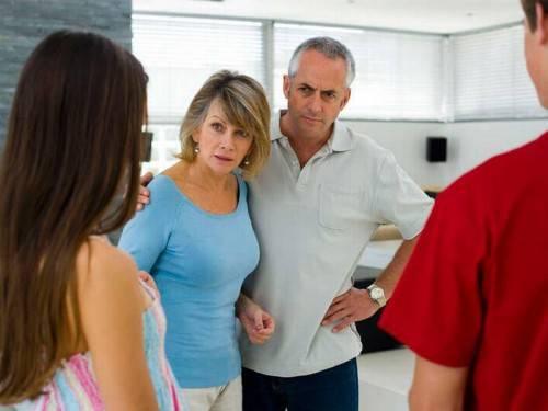 Как вести себя с родителями парня