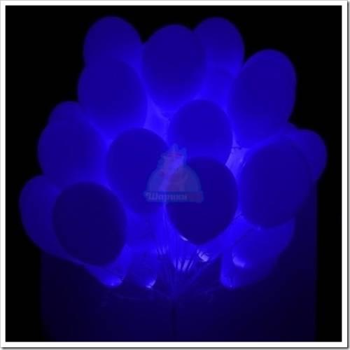 Как собирают светящиеся воздушные шарики на палке